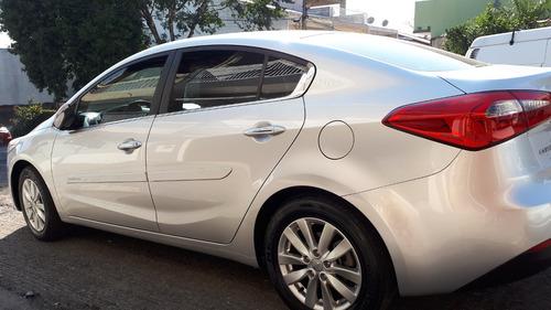 lindo kia cerato 2014/prata/1.6 16v/flex/aut baixa km