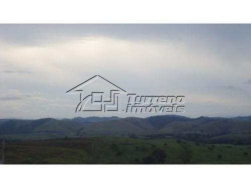lindo, novo, em condomínio fechado de alto padrão com a vista mais linda do urbanova!