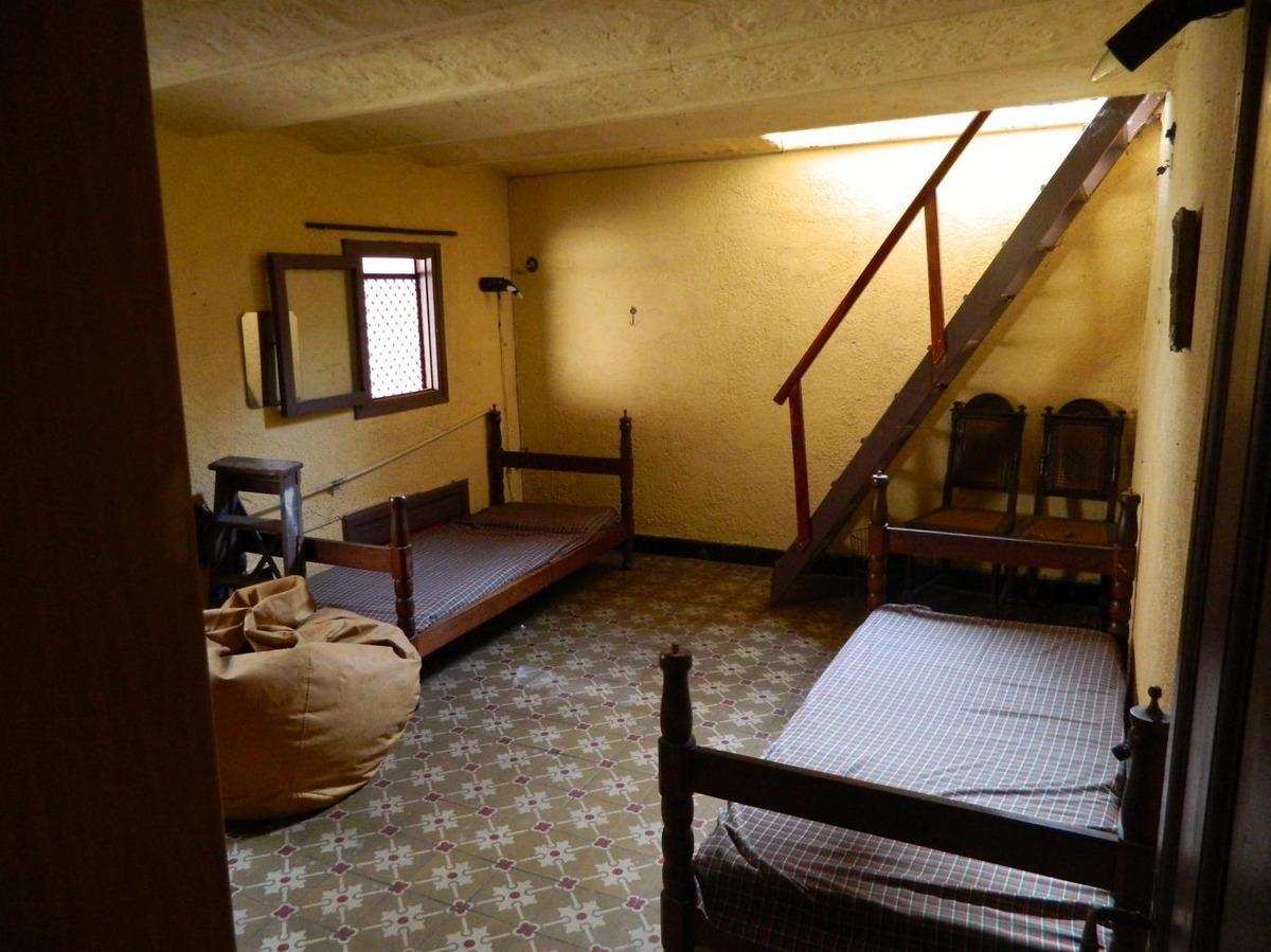 lindo padrón. varias habitaciones con doble altura.