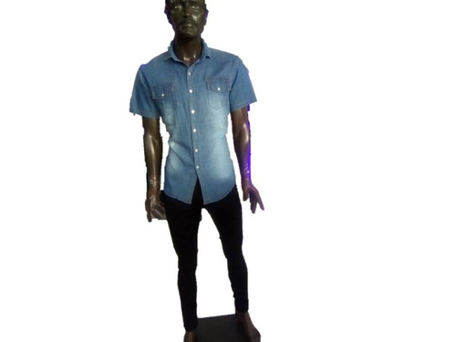 lindo pantalón con camisa de mezclila
