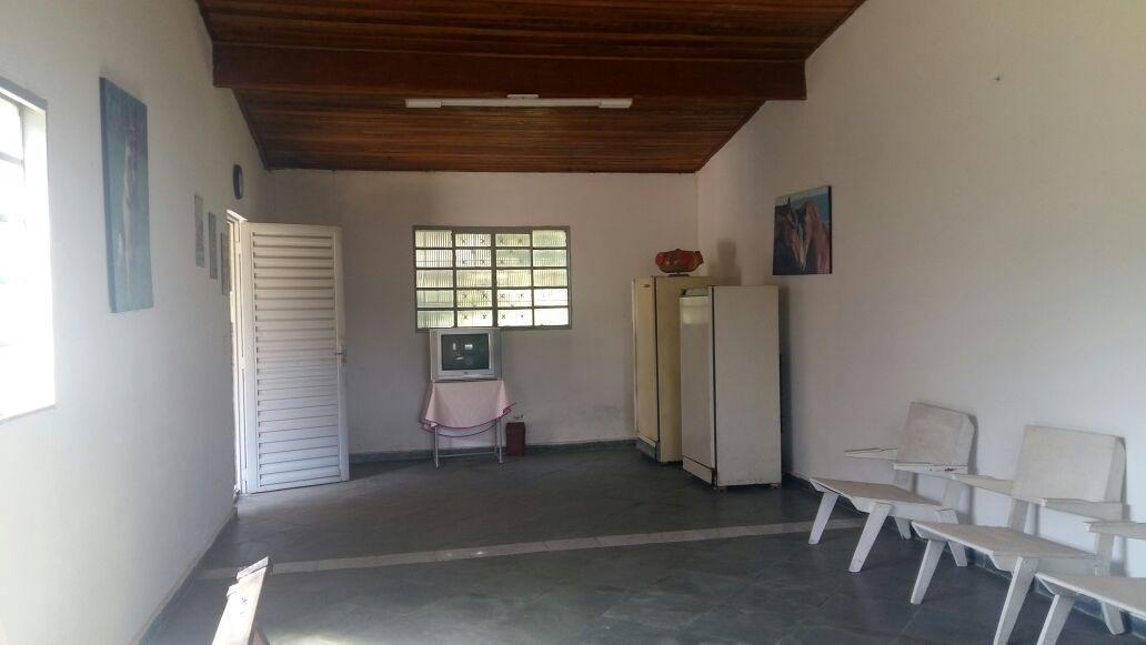 lindo sítio, 20.000 m²,casa simples com 02 dormitórios.