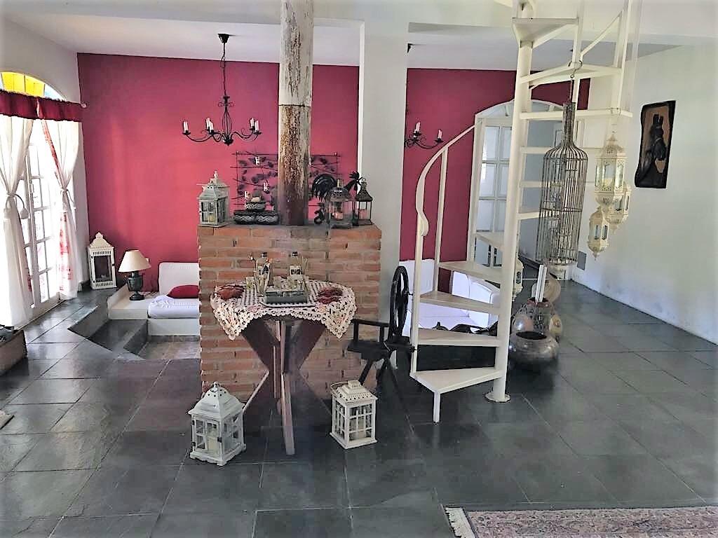 lindo sítio, área total de 22.000 m², ótima localização !!