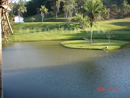 lindo sitio rico em agua em juquitiba-sp