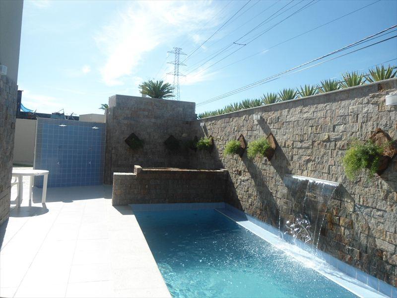 lindo sobrada em condomínio com piscina em itanhaém.