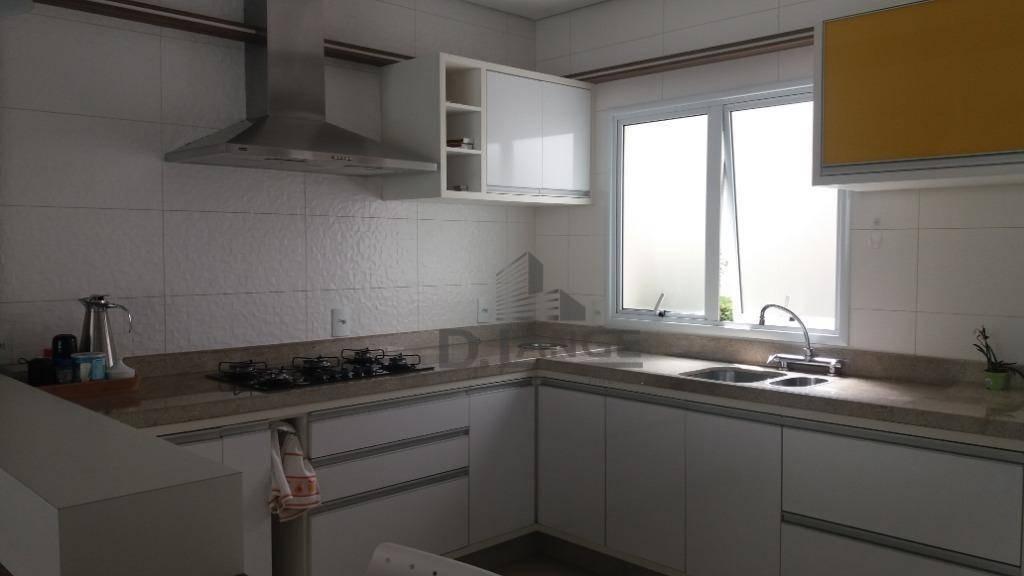 lindo sobrado com 285m², 3 suítes, cozinha completa, churrasqueira, piscina e 4 vagas de garagem. - ca12989