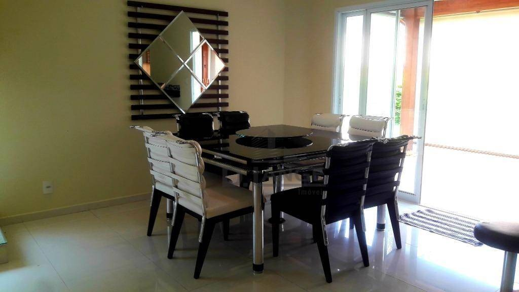 lindo sobrado com 320m² com 4 suítes, churrasqueira e amplo quintal com entrada independente. - ca13960