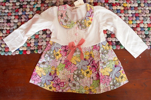 lindo vestido con flores para fiesta infantil o presentación