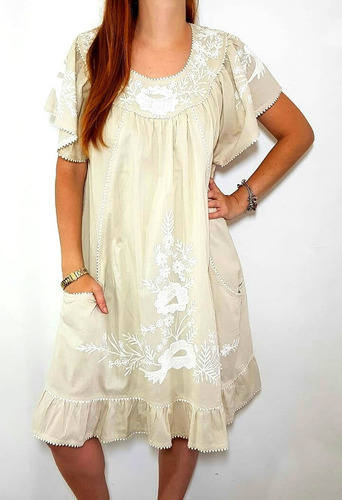lindo vestido de algodão bordado (1790)