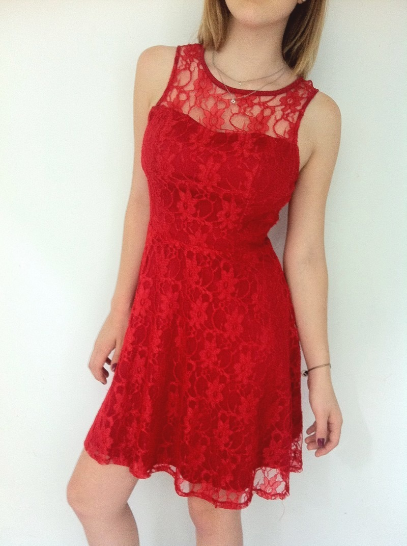 4e03310793 lindo vestido de renda curto rodado vermelho festa. Carregando zoom.
