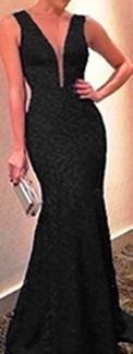 lindo vestido em renda para, festa com tule  noite casamento