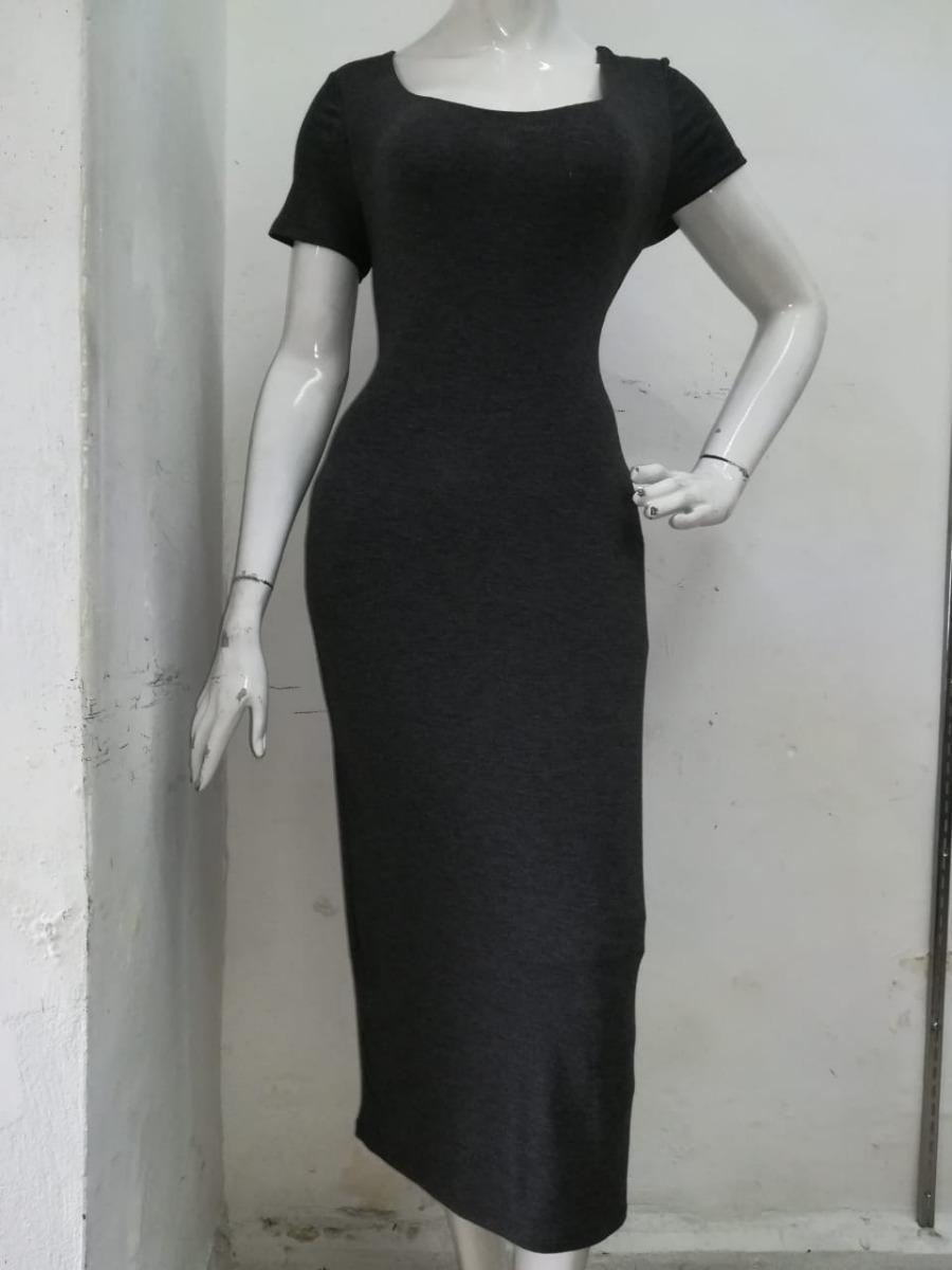 Vestido negro con cuello redondo