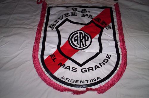 lindo y sano antiguo banderin de river argentino...