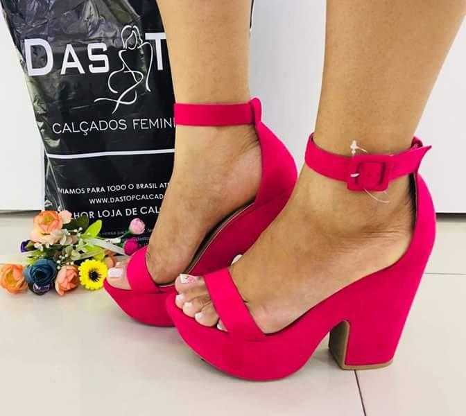 6b8a60a9a5 Lindos Sapatos Salto Alto - R  79