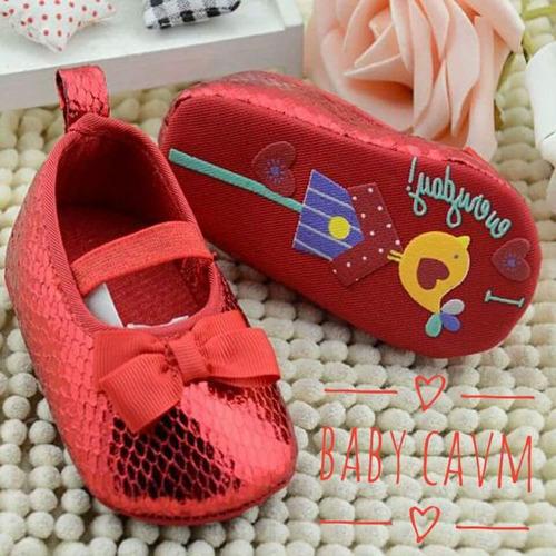 lindos zapatitos para las bebés en casa