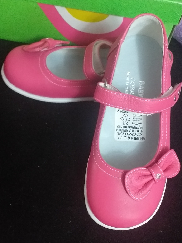 8457f0e246 Lindos Zapatos Niña Nuevos Talla 25 - Bs. 60.000,00 en Mercado Libre