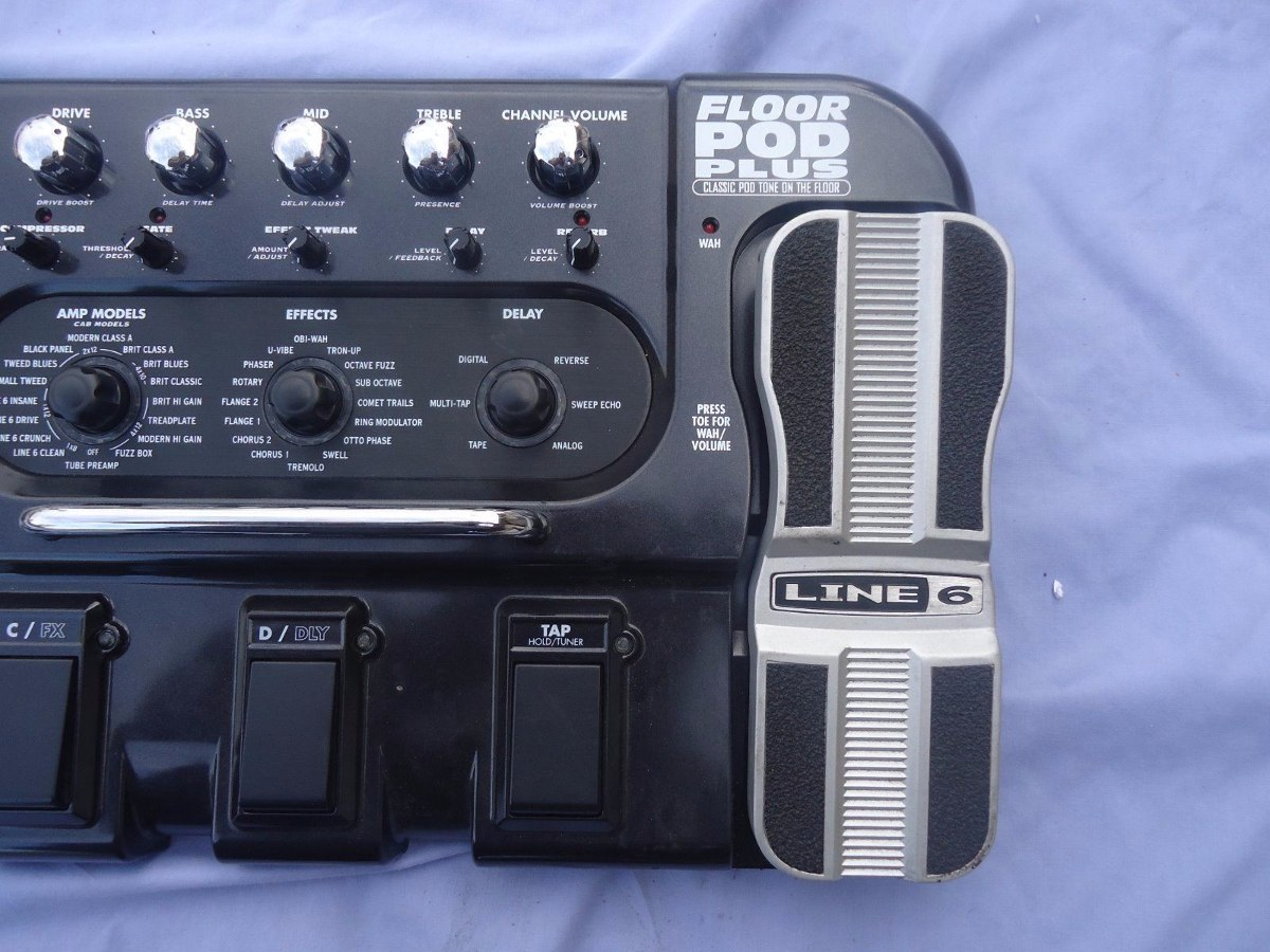 Line 6 Floor Pod Plus Pedalera Para Guitarra Electrica Boss
