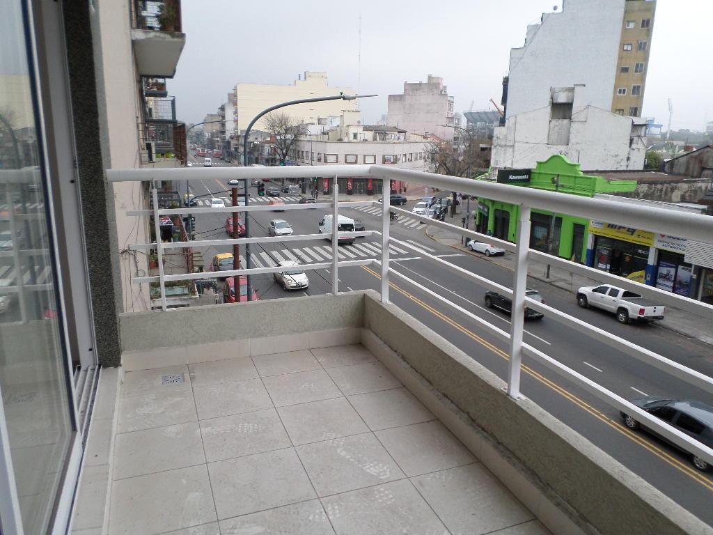 liniers - depto 2 ambientes con balcon a estrenar