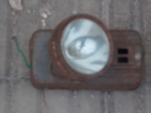 linterna antigua de chapa