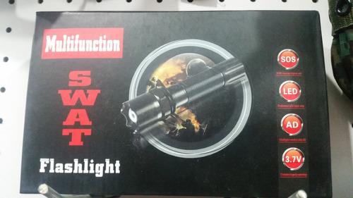 linterna de alto alcance swat