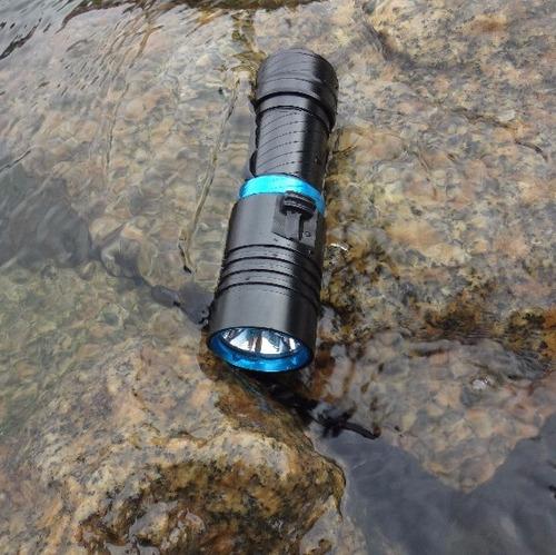 linterna led buceo acuatica sumergible 40 metros 2200 lumens