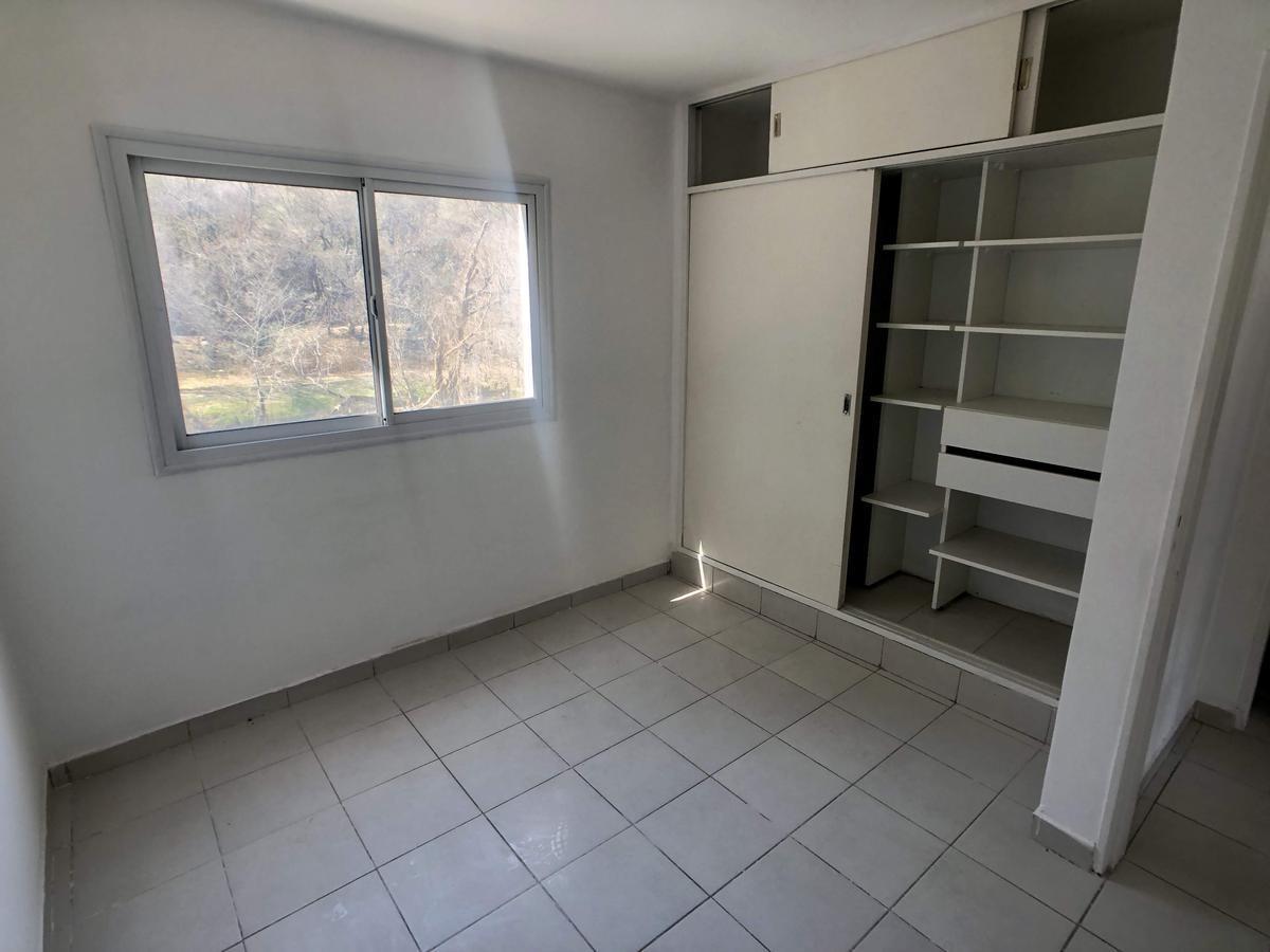 liquido!! venta  - depto 1 dorm - housing con pileta en la calera