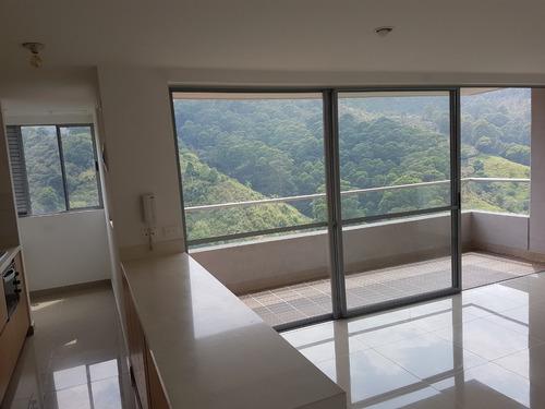 living - amplio apartamento con hermosa vista a naturaleza