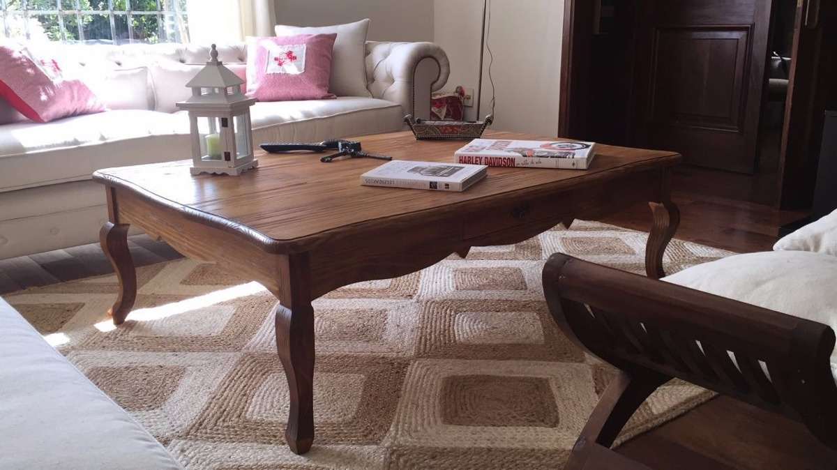 Mesa de living en pinotea madera maciza en for Mesas de living