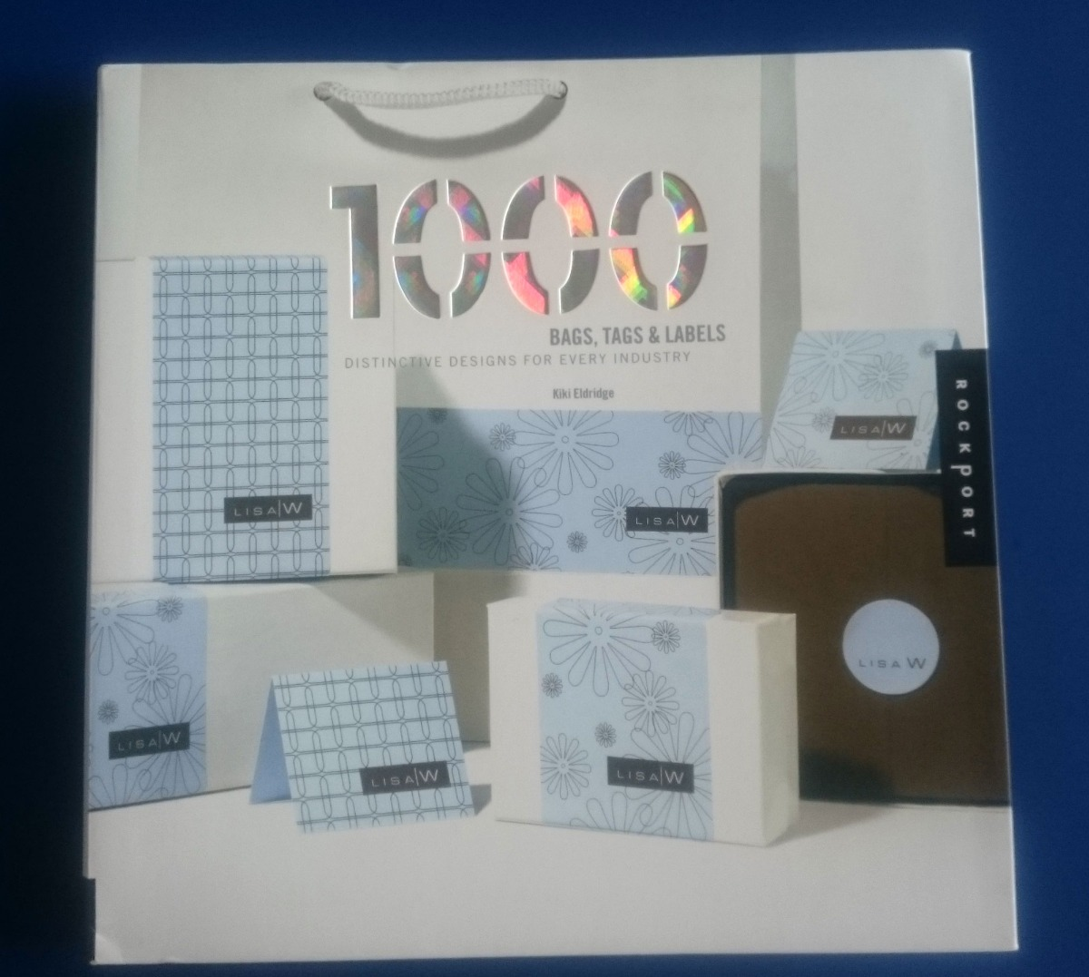 livro 1,000 bags, tags, and labels: distinctive designs... Carregando zoom.