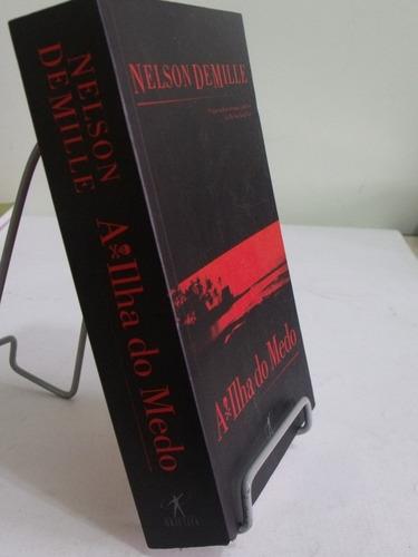 livro a ilha do medo - nelson demille