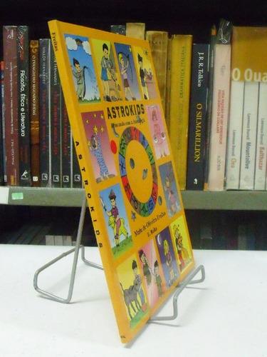 livro - astrokids - malu de oliveira freitas