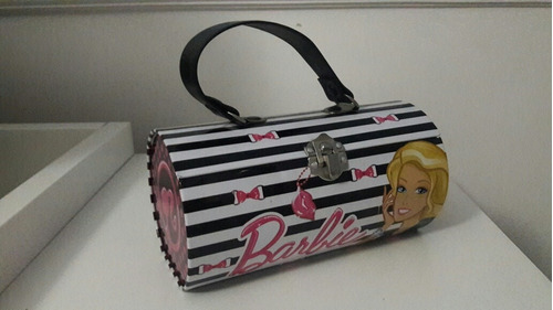 livro  barbie e as sapatilhas mágicas  + necessaire barbie