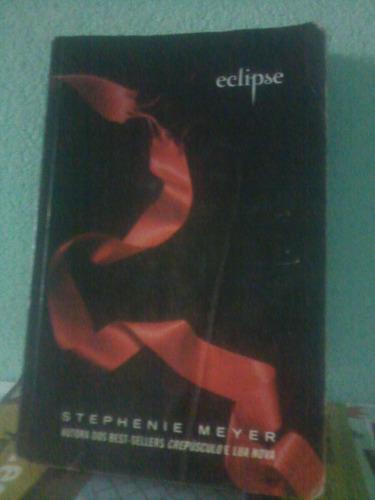 livro da saga crepúsculo eclipse