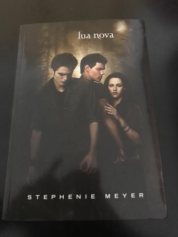 livro lua nova -  autora: stephenie meyer