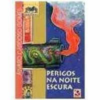 4bd3a1f903f4d Livro Perigos Na Noite Escura Álvaro Cardoso Gomes - R  12