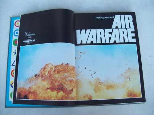 livro: the encyclopedia of air warfare - 1978 - capa dura