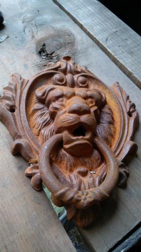llamador de puerta estilo colonial corazón de león