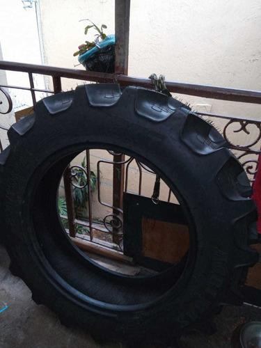 llanta para tractor
