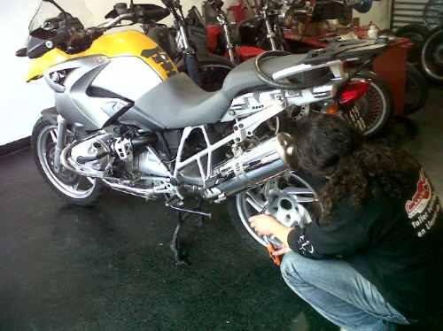 llantas de moto,centrado,balanceo,reparación,restauración.
