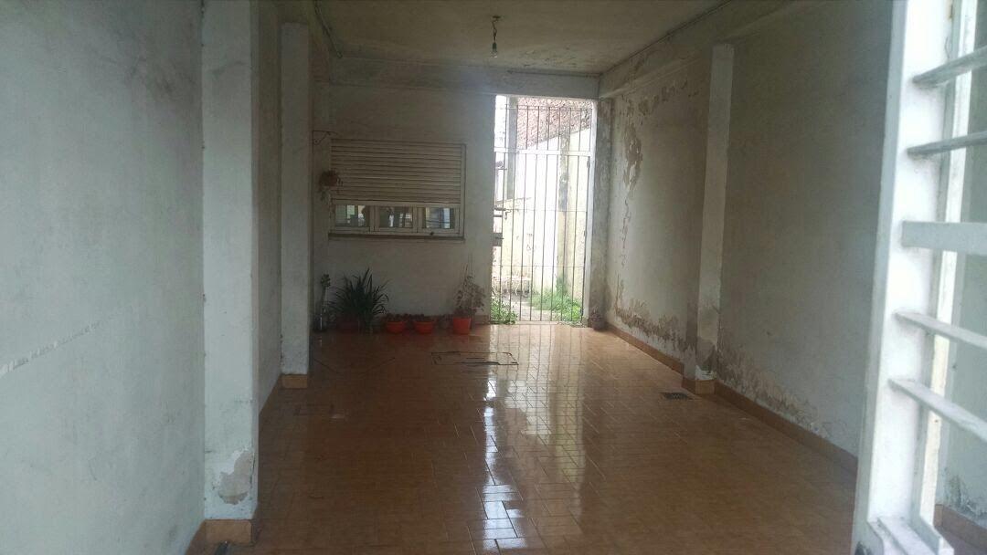 llavallol: casa 3 dormitorios c/garage fondo y 2 departament