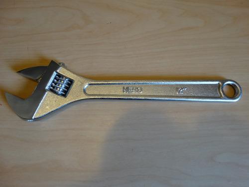 llave ajustable de 12  cromada, marca hero