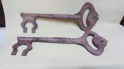 llave antigua hindu madera grande precio x c/u