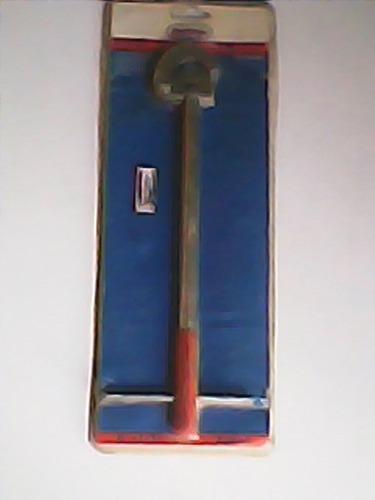 llave ayudante de plomero