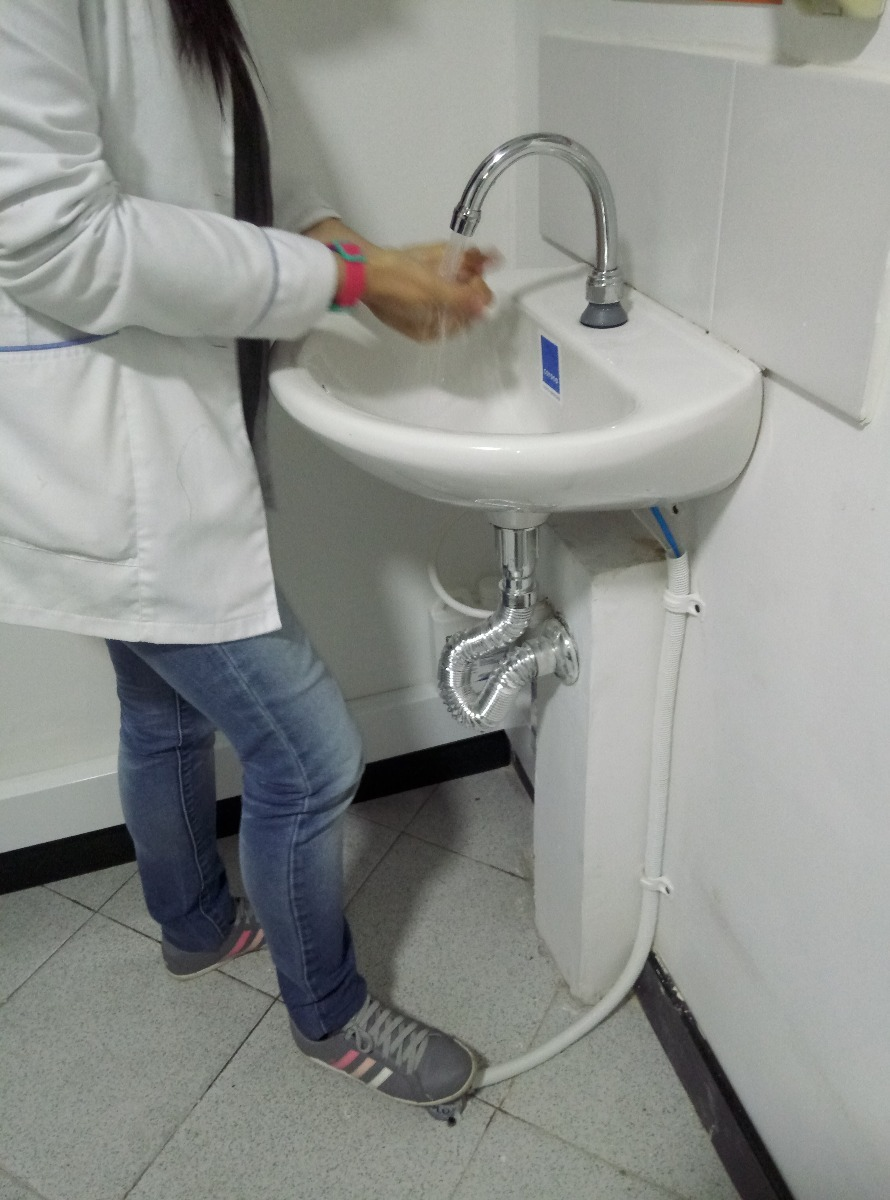 Llave de pedal industrial kit hidroplus en for Llaves para lavamanos easy