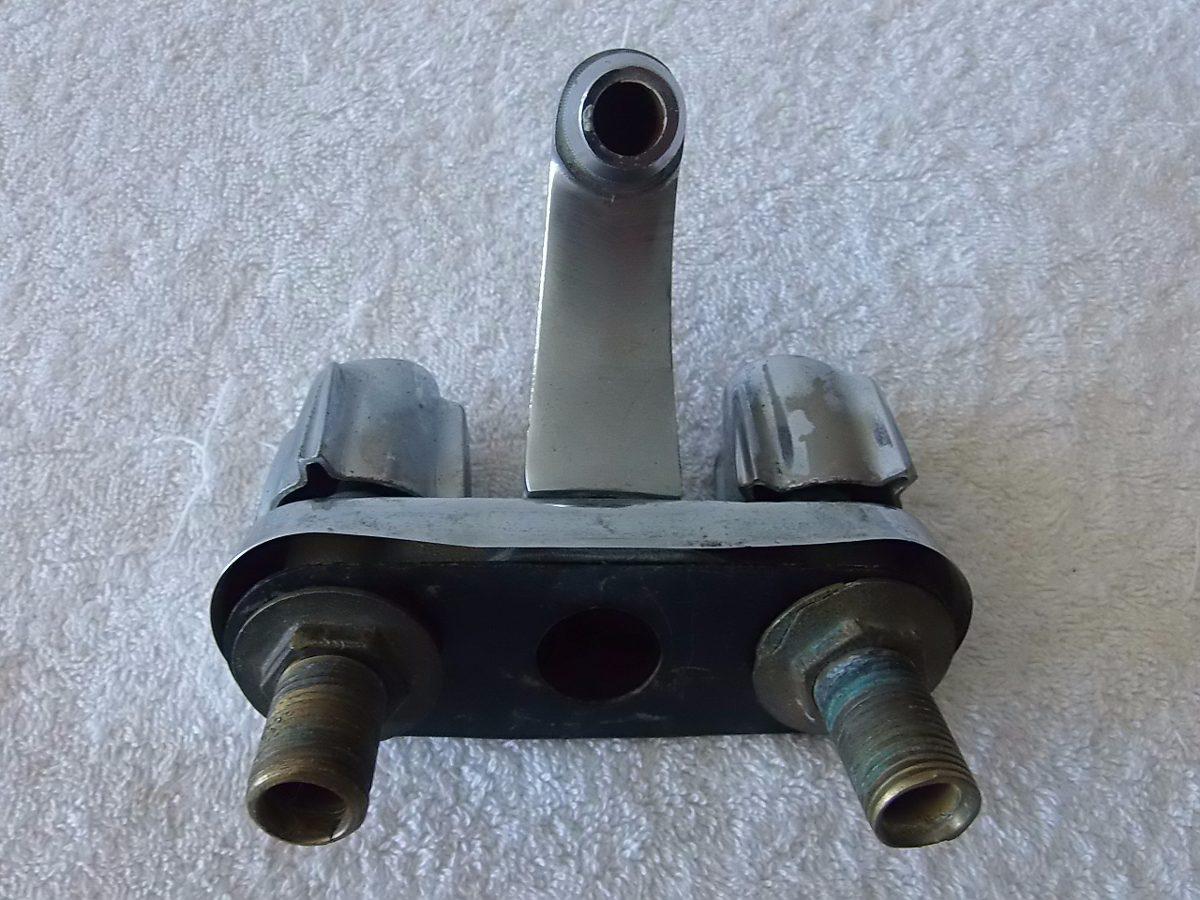 Llave doble para lavamanos usada de la original toda metal for Llaves para lavamanos easy
