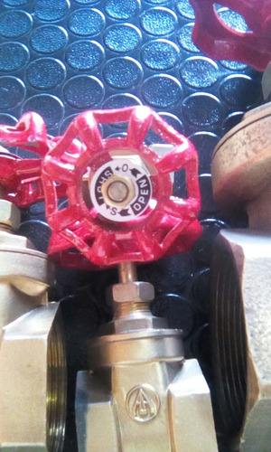 llave o valvula de paso tipo compuerta 3/4