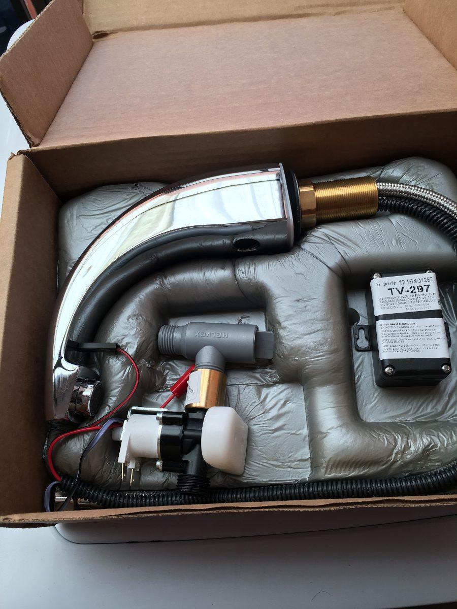 Llave para lavamanos con sensor helvex 2 en for Precio de llaves para lavamanos