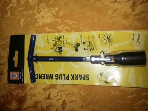 llave saca bujias multiuso de 21 mm