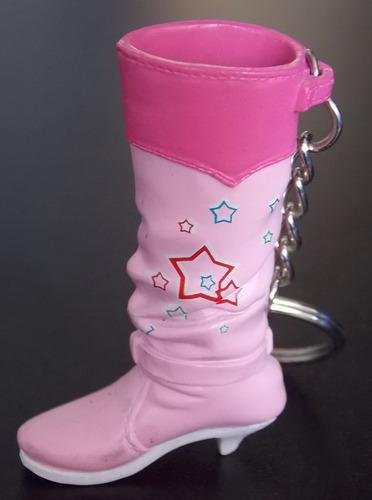 llavero de bota rosada con estrellas plastico