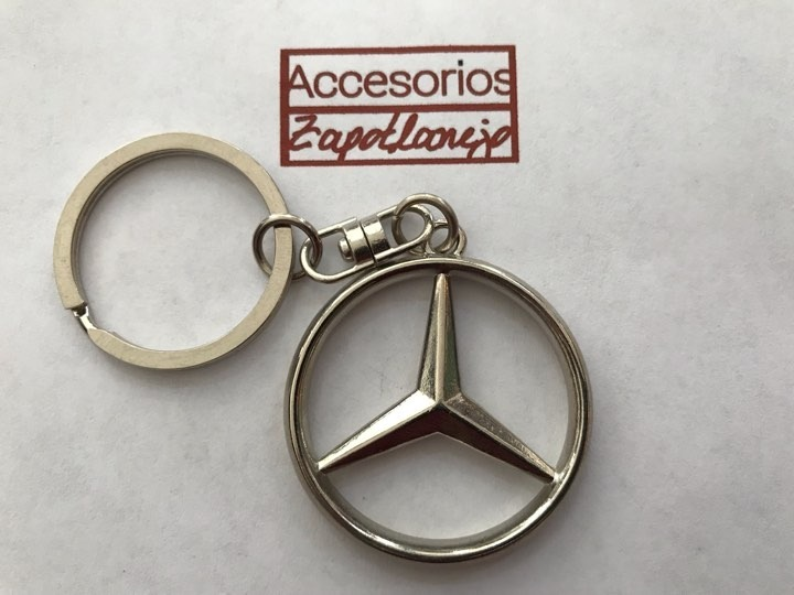 Llavero de metal Mercedes