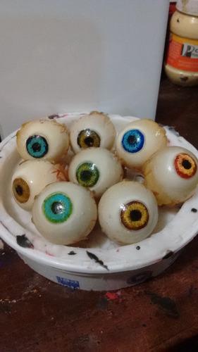 llavero de un ojo de recina